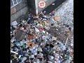 Жители выбрасывают мусорные пакеты из окон. Красноярск,Nonprofits & Activism,,В красноярском общежитии жители выбрасывают пакеты с мусором прямо из окон. Или сваливают их в подъезде